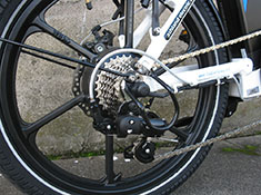 magnum-premium-folding-electric-bike-derailer