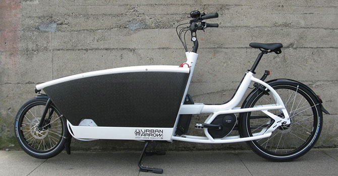 Urban-Arrow-Family-electric-bike---white-1